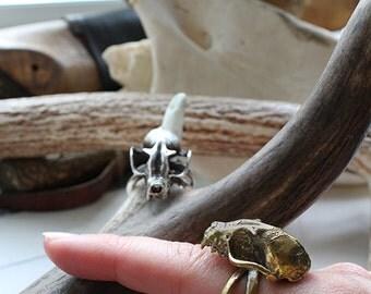 Miyu Decay Brass Death Grip Bat Skull and Crossbone Ring
