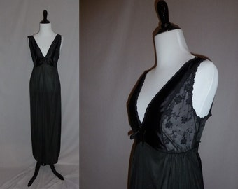80s Long Black Nightgown - Sheer Lace Bodice Sides - Satin Bow - Vintage 1980s - S M