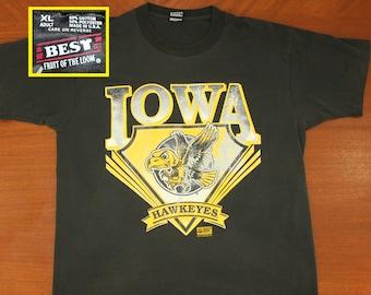 Iowa Hawkeyes vintage t-shirt black XL 90s cotton polyester 50/50 football basketball
