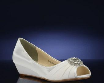 Custom Color Wedding Shoes, Wedge Wedding Shoes, Bridal Wedge Shoes,Womens Bridal Shoes, 250 Colors, Dyed Wedding Shoes, 1 inch Bridal Wedge