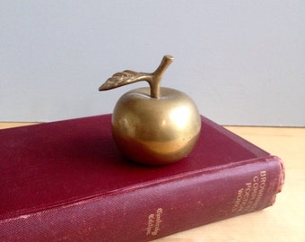 Vintage Brass Apple / Vintage Home Decor / Teacher Gift / Antique Brass with Patina / Favorite Teacher Present / School Desk Decoration