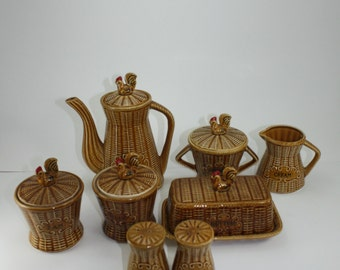 Vintage Chicken Hen Rooster Basket Weave Coffee Kitchen Set Ceramic Salt & Pepper Butter Dish Creamer Sugar Jam Jelly Jar Made In Japan