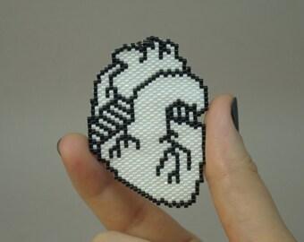 Anatomical Heart/Pixel art/Cardiac Jewelry/Human Heart/Corazon/Heart surgery/Minimalist jewelry/Momento mori/Doctor gift/Beadwork/Handmade