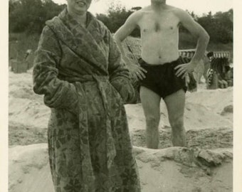 "Vintage Photo ""He Dug a Hole"" Snapshot Photo Old Antique Photo Black & White Photograph Found Photo Paper Ephemera Vernacular - 126"