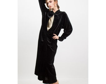 1920s dress / Vintage black velvet maxi dress / Long sleeved gown L