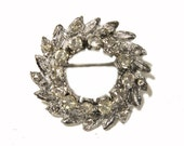 Vintage Rhinestone Wreath Brooch c.1950s Vintage Jewelry Vintage Jewellery