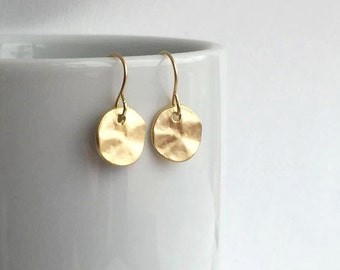Matte Gold Disc Earrings. Disc Earrings. Gold Circle Drop Earrings. Minimalist. Everyday.Round Earrings.Gold Earrings.Simple.Everyday.Dainty