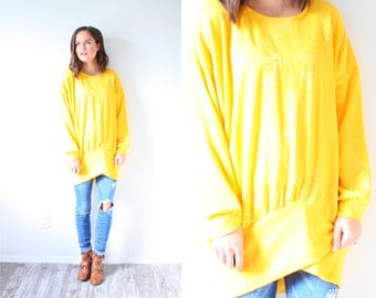 Vintage yellow long sleeve shirt // oversized sweater // winter spring sweater // yellow jumper // light yellow //floral bright yellow knit