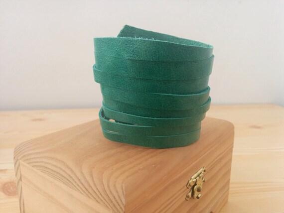Turquoise bracelet,leather bracelet,leather cuff,wide cuff,turquoise leather,green bracelet,green cuff,green turquoise,leather green jewel