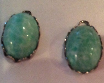Vintage Jade drops ottled jade cabochon 14x10mm in Silver scalloped 16x11mm Settings QTY - 2 Last pair