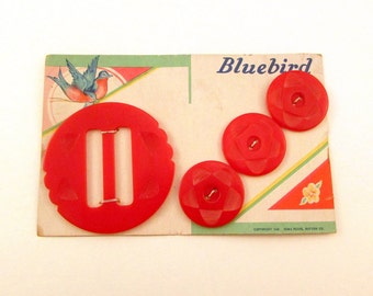 SALE Carved Cherry Red Bakelite Buttons and Buckle Set - Art Deco Era - Strung on Original Card