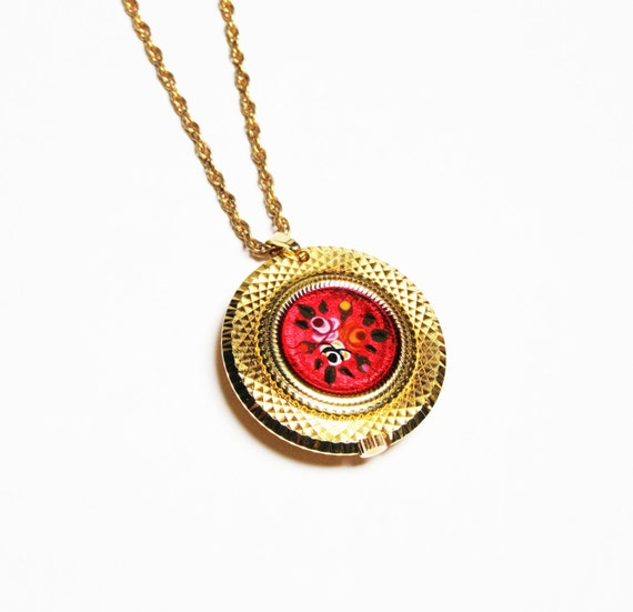 pendant necklace with enamel vintage by