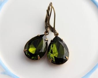 Olivine earrings, teardrop earrings, Olivine drop earrings, green earrings, bridesmaid earrings, green olivine earring, olive earrings OD03