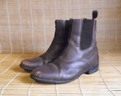 Vintage Lady's Brown Leather Zip Up Ankle Boots Size: EUR 40 / US Woman 9