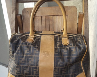 FENDI    ///     Classic Doctor Bag