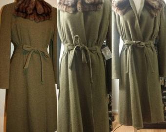 MINT Vintage late 1930s - 1940s WW2 era military khaki green wool coat and mink fur collar