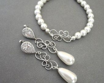 Pearl jewelry set - Pearl bracelet and earring set - Brides pearl jewelry set ~ Filigree scrolls - Swarovski pearl set, Elegant -
