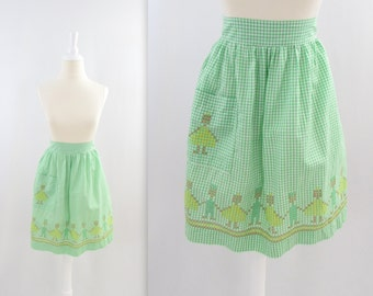 Green Gingham Cross Stitch Apron - Vintage 1970s Scandinavian Kitchen
