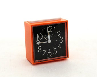 Vintage orange alarm clock made in East Germany, Mechanical alarm clock 80s, Meister-Anker alarm clock