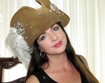 CAPTAIN BEATRICE Lady Pirate Style Headdress Hair Adornment White