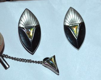 Vintage Iridescent Glass and Etched Silver Tone Tie Clip and Cuff Links Set