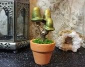 Small Green Shimmering Mushroom Tree - Don't Starve Inspired