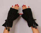 Fingerless Gloves, Black Knit Gloves, Chunky Gloves, Soft Arm Warmers, Thick Winter Gloves, Women Gloves Wool Wrist Warmers Leather Detail