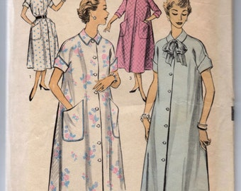 """1950's Advance Robe or House Dress pattern - Bust 32"""" - No. 6736"""