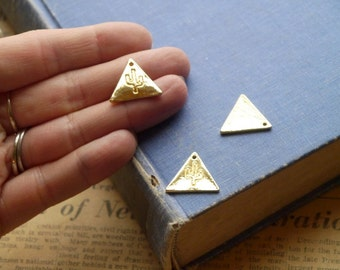 3pcs Gold Triangle Cactus Charms 20mm (GC2999)