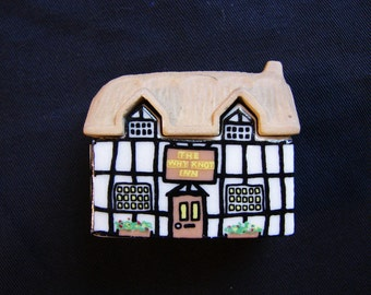 Wade Whimsey on Why Village, Why Knot Inn, Porcelain Miniature House Wade House Wade Whimsies