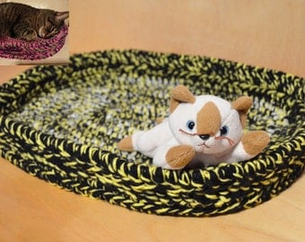 Cat Bed, Crocheted Cat Bed, Yellow and Black Cat Bed