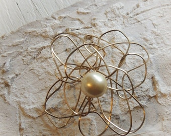 Gold Wire Wrapped Statement Pearl Flower Brooch/Artistic Statement Jewelry/Modern Woven Wire Floral Pin/Gold Wire Jewelry/Faux Pearl Brooch