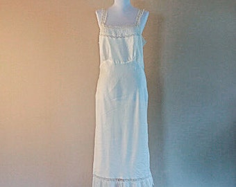 Vintage Barbizon nightgown in pearly white