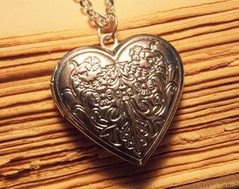 Filigree Heart Victorian Locket