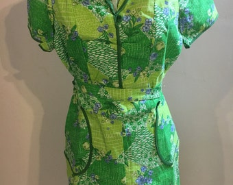 1970s Soviet green floral dress smock with tags!