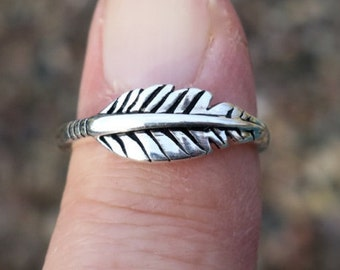 SALE Vintage 925 Sterling Silver Feather Ring