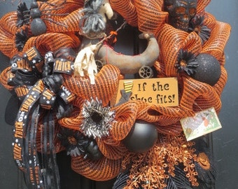 Halloween Door Wreath, Witch Wreath, Primitive Witch in Boot, Halloween Mesh Wreath, Lighted Halloween Sign, Fall Door Wreath, Door Wreath