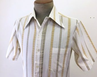 1970s Vintage Men's Striped Shirt White Polyester & Cotton Blend Short Sleeve Disco Era Shirt by Golden T - Size MEDIUM
