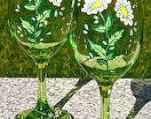 Mother's Day Gift Painted Wine Glasses With Daisies And Crystal Wine Charms, Birthday Gift, Gifts For Her, Spring Flowers