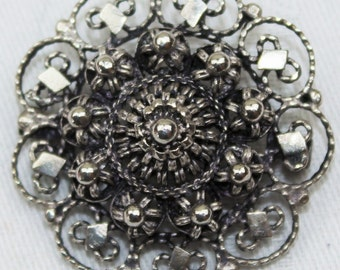 Vintage Silver Coloured Flowers Round Brooch c1930s