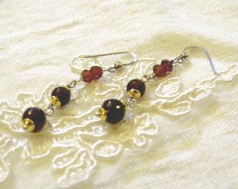 Pendant earrings in silver 925 and garnet gems