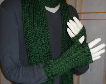 Dark Green Scarf and Fingerless Gloves Set