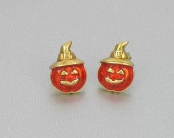 Vintage AVON 'Pumpkin' Orange Enamel Pierced Earrings (1994). Vintage Halloween Earrings. Jack O Lantern Earrings. Avon Earrings