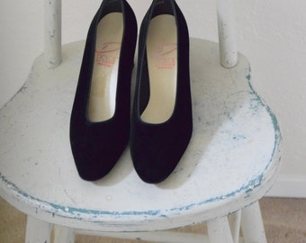 Black Velvet 'Dolce by Pierre' Pumps / Slip on Shoes - Women's 9