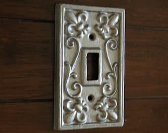 Silver Light Switch Cover / Or Pick Your Color / Light Plate Cover / Cast Iron Lightswitch Plate / Wall Decor / Fleur de lis Decor
