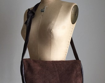 vintage 1970s fudge brown suede and leather purse / messenger bag
