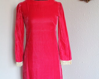 SALE - Vtg 70s crushed Pink Velvet Cocktail Party Dolly holiday Mini Dress