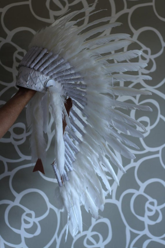 From 5-8 years Kid / Child's: Long Indian white swan feather Headdress 21 inch. – 53,34 cm.