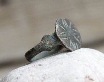"Ring Rusty Antique ring ... 3/4 "" ...  finding ... ancient  rare"