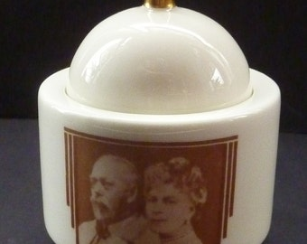 Rare Little ROYAL DOULTON Art Deco 1930s Lidded Pot to Celebrate the Silver Jubilee of George V and Queen Mary in 1935